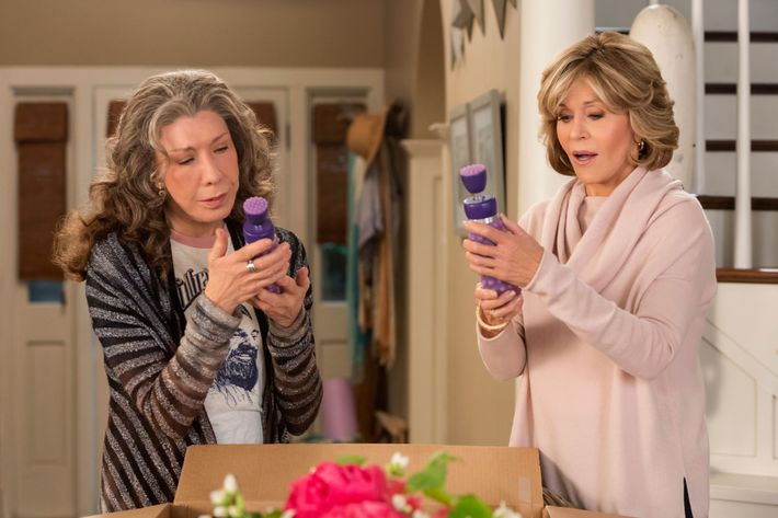 Talking To Grace And Frankie Costumer Allyson Fanger