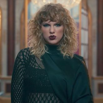 Taylor Swift Director Claims Beyonce Copied Bad Blood
