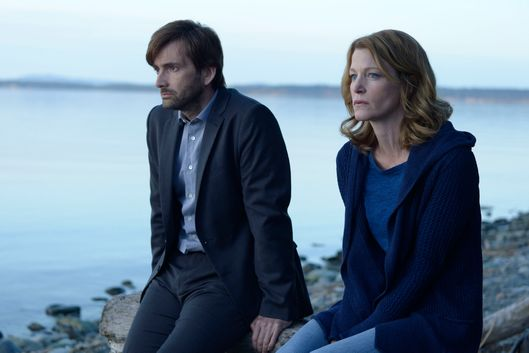 "GRACEPOINT: Detectives Ellie Miller (Anna Gunn, R) and Emmett Carver (David Tennant, L) discuss the murder of Danny Solano in the ""Episode Ten"" Season Finale of GRACEPOINT airing Thursday, Dec. 11 (9:00-10:00 PM ET/PT) on FOX. ?2014 Fox Broadcasting Co. Cr: Ed Araquel/FOX"