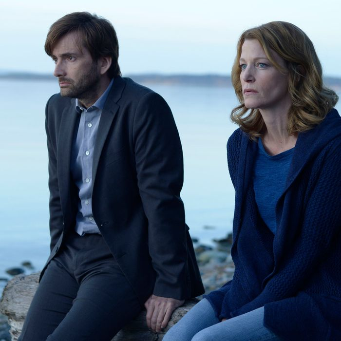GRACEPOINT: Detectives Ellie Miller (Anna Gunn, R) and Emmett Carver (David Tennant, L) discuss the murder of Danny Solano in the