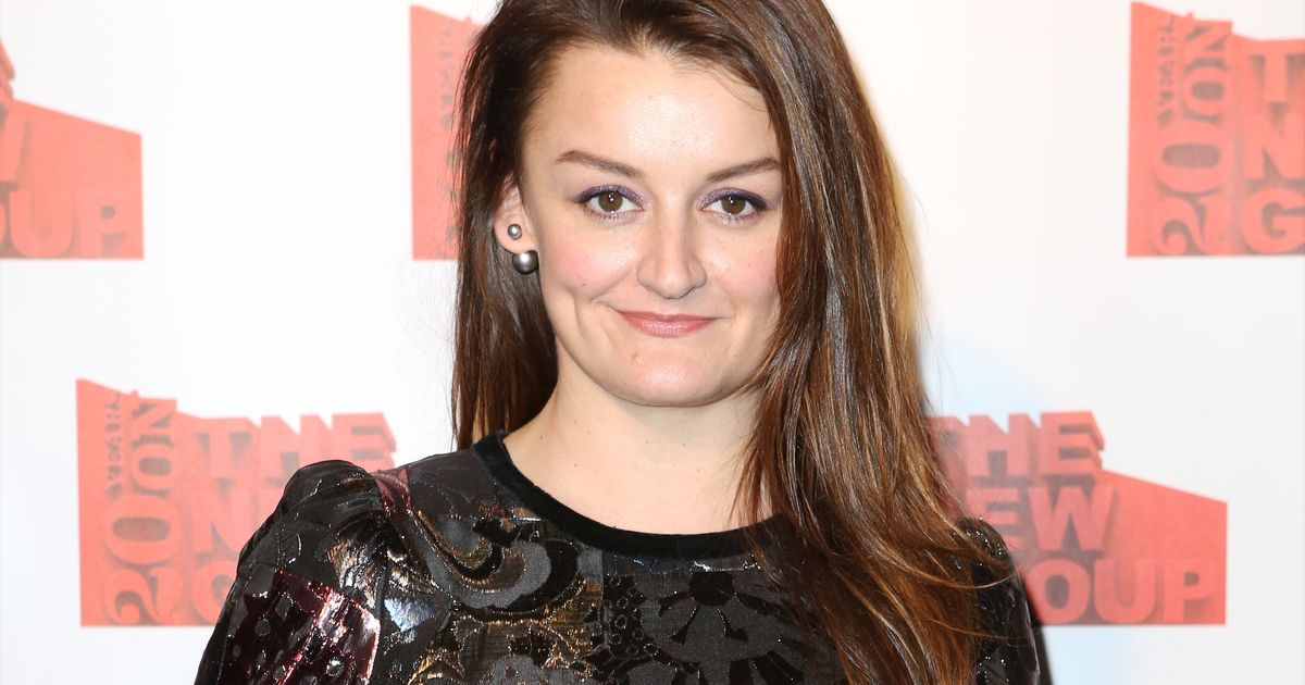 Alison Wright earned a  million dollar salary, leaving the net worth at 2 million in 2017