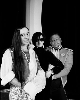 John Galliano, Amanda Harlech, and André Leon Talley in 1996.