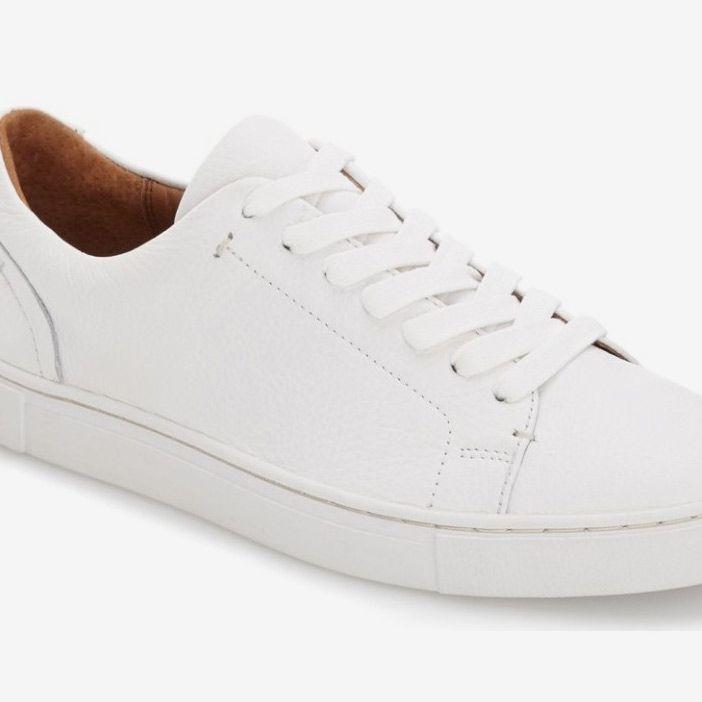 levi gym shoes