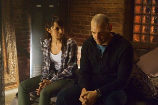 "THE STRAIN -- ""Intruders"" -- Episode 208 (Airs August 30, 10:00 pm e/p) Pictured: (l-r) Mia Maestro as Nora Martinez, Corey Stoll as Ephraim Goodweather.CR: Michael Gibson/FX"