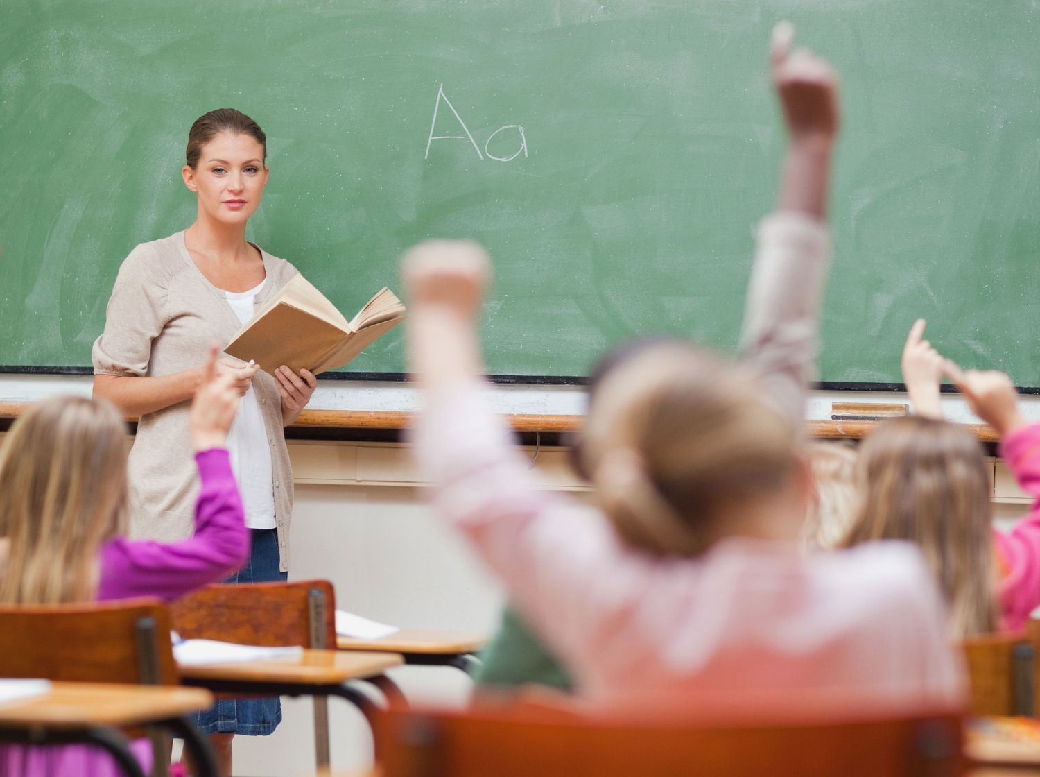 how to train to become a teacher