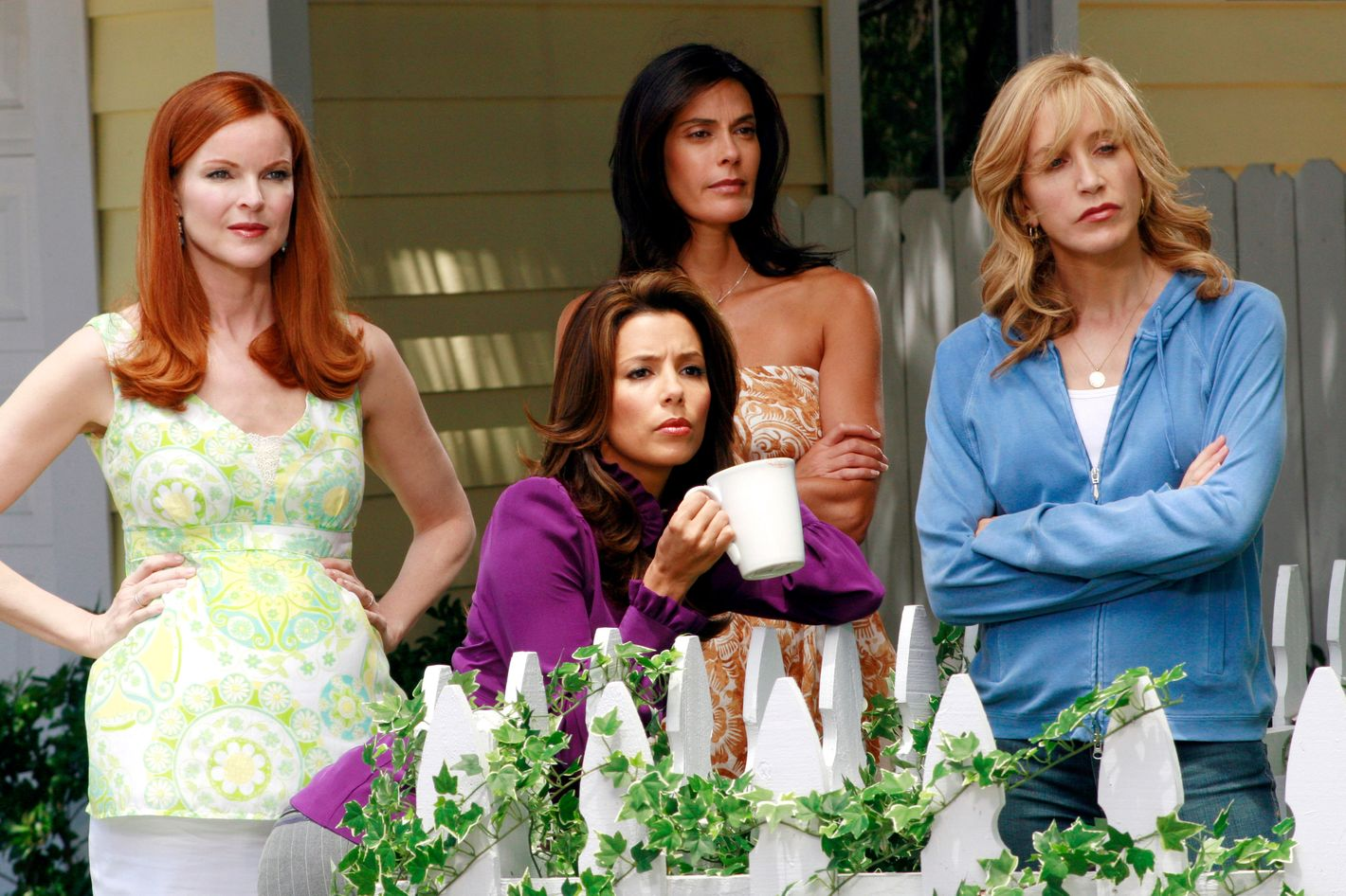 The TV pilot of Desperate Housewives didn't get air because ABC was unhappy with the cast