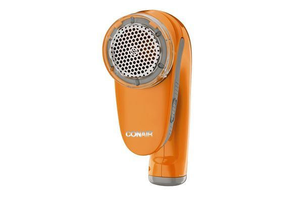 Conair Fabric Defuzzer - Shaver; Battery Operated; White