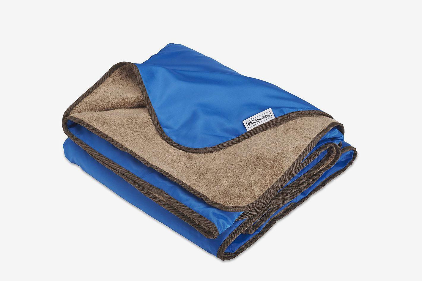 Lightspeed Outdoors XL Plush Fleece Outdoor Stadium Rainproof and Windproof Picnic Blanket
