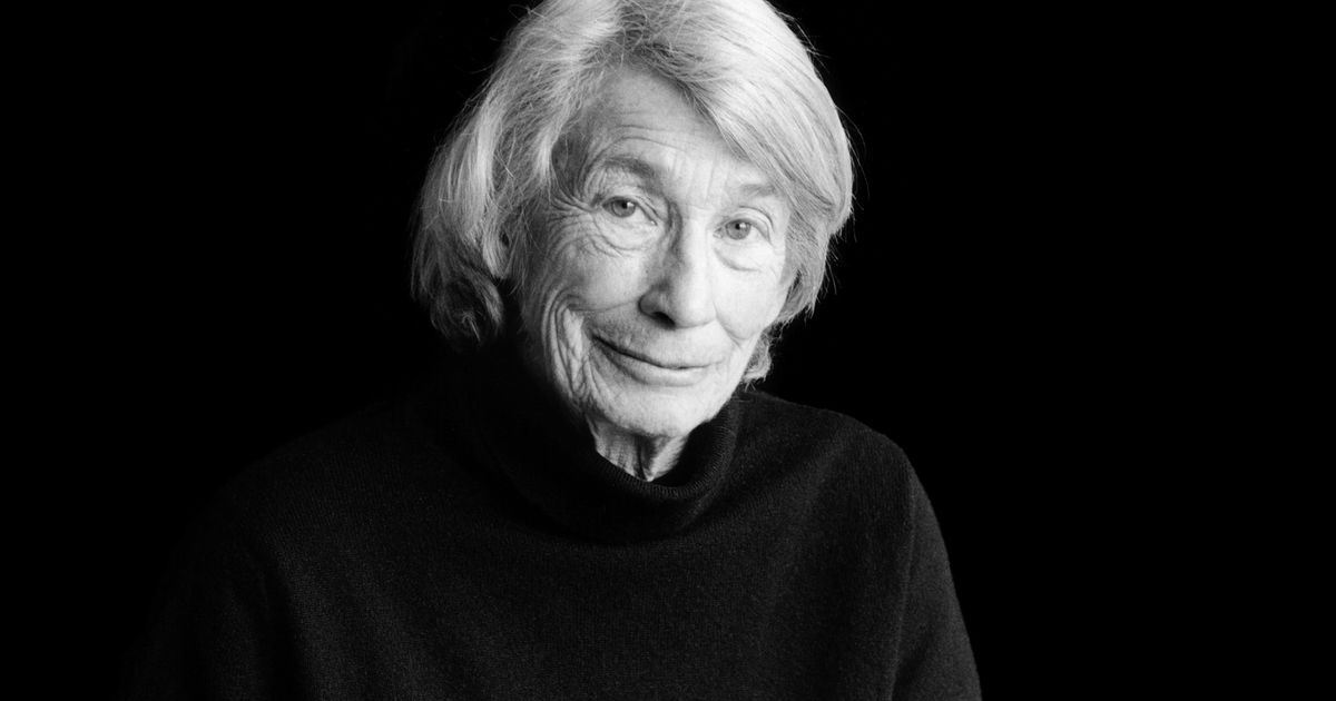 How Mary Oliver's Biographer Finally Met the Legendary Poet