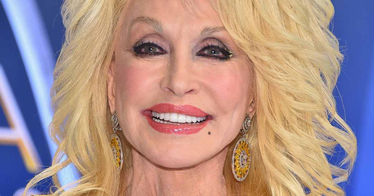 Dolly Parton: Dolly Parton Will Donate $1,000 Every Month To Tennessee