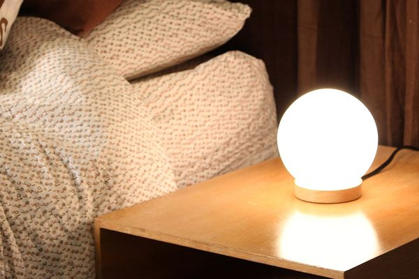 Light Accents Iris Table Lamp