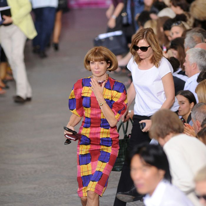 Anna Wintour exiting the Missoni show.
