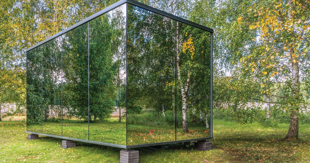 This Prefab Mirrored House Can Be Plopped Almost Anywhere