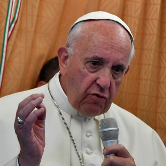 VATICAN-ARMENIA-POPE-PLANE-MEDIAS