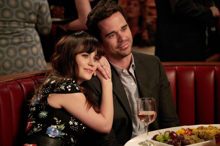 "NEW GIRL: L-R: Zooey Deschanel and guest star David Walton in the ""Return To Sender"" episode of NEW GIRL airing Tuesday, May 3 (9:00-9:30 PM ET/PT) on FOX.  ©2016 Fox Broadcasting Co.  Cr:  Adam Taylor/FOX"