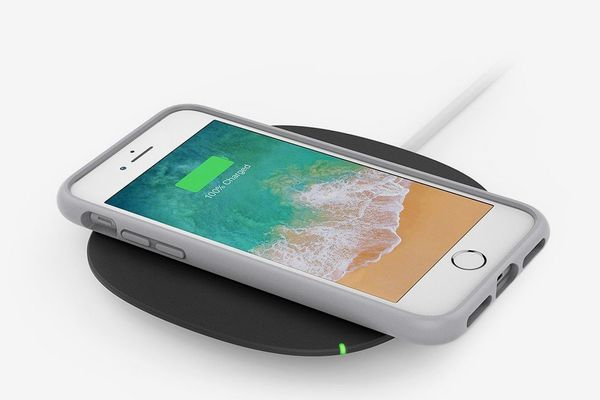 Belkin Boost Up 5 Watt Wireless Charger With AC Adapter