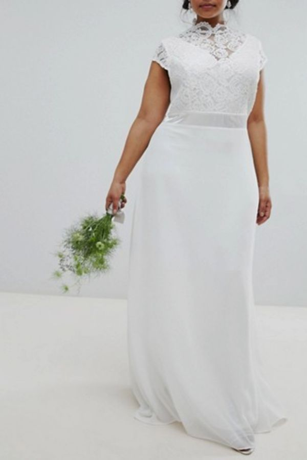 TFNC Plus Bridal Maxi Bridal Dress With Scalloped Lace and Open Back