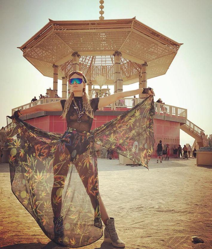 Paris Hilton Was the Best DJ Burning Man Has Ever Seen