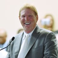 Mark Davis Meets With Nevada Tourism Officials About Moving Raiders To Las Vegas
