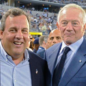 8b820fff1bb Chris Christie and Cowboys owner Jerry Jones. Photo: Larry W. Smith/Corbis