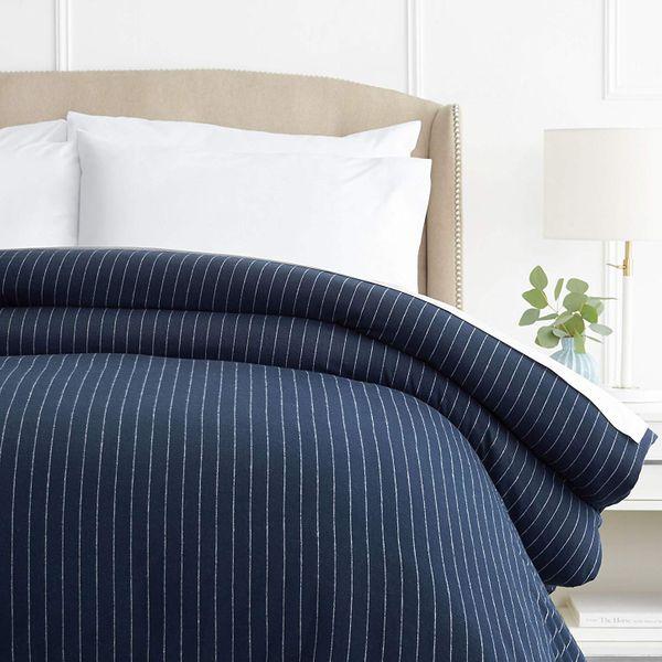 Pinzon 160 Gram Pinstripe Flannel Cotton Duvet Cover, Full / Queen, Navy Pinstripe
