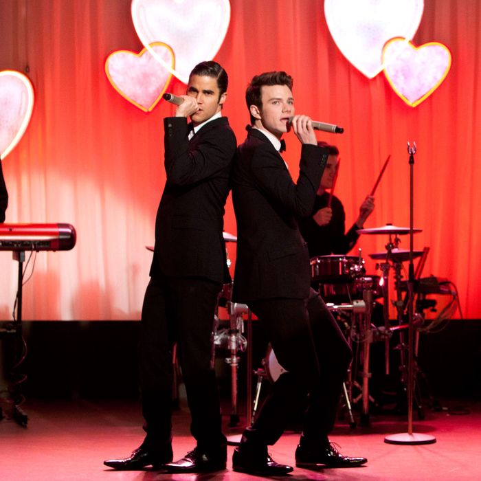 GLEE: Blaine (Darren Criss, L) and Kurt (Chris Colfer, R) perform at Will and Emma's wedding in the