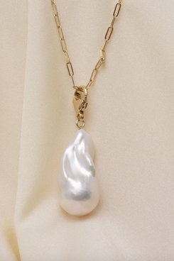 Aurate x Senreve Organic Pearl Gold Charm