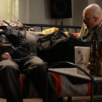 Jesse Pinkman (Aaron Paul) and Walter White (Bryan Cranston) - Breaking Bad_Season 5, Episode 9_