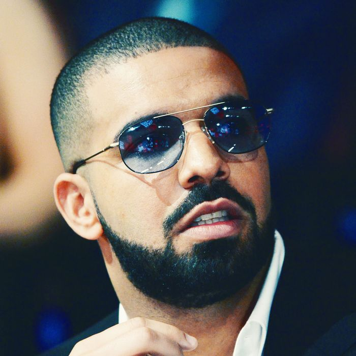 Soccer Team Bans Players From Taking Pics With Drake - XXL
