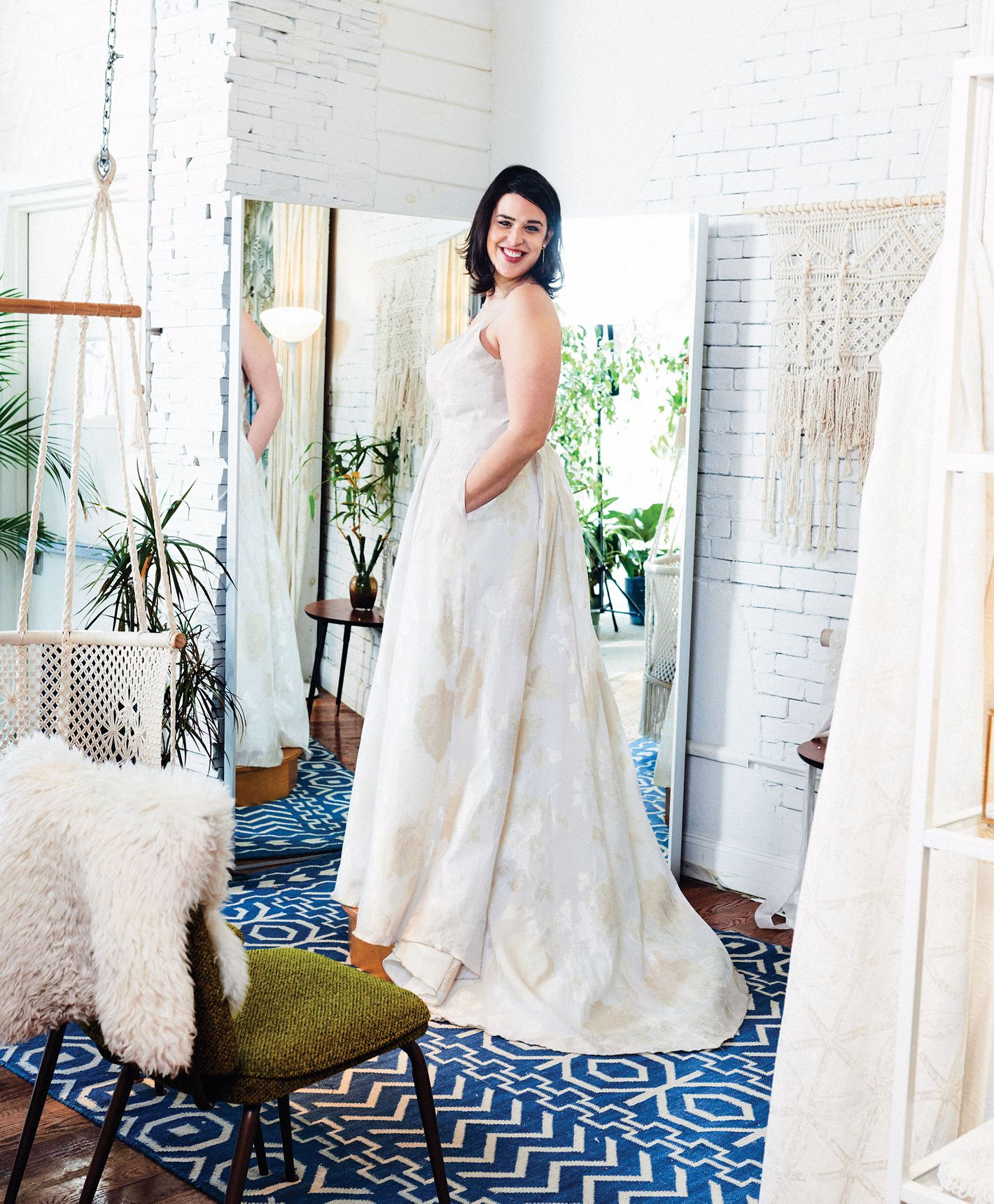 Best Places for Size Inclusive and Plus Size Wedding Gowns