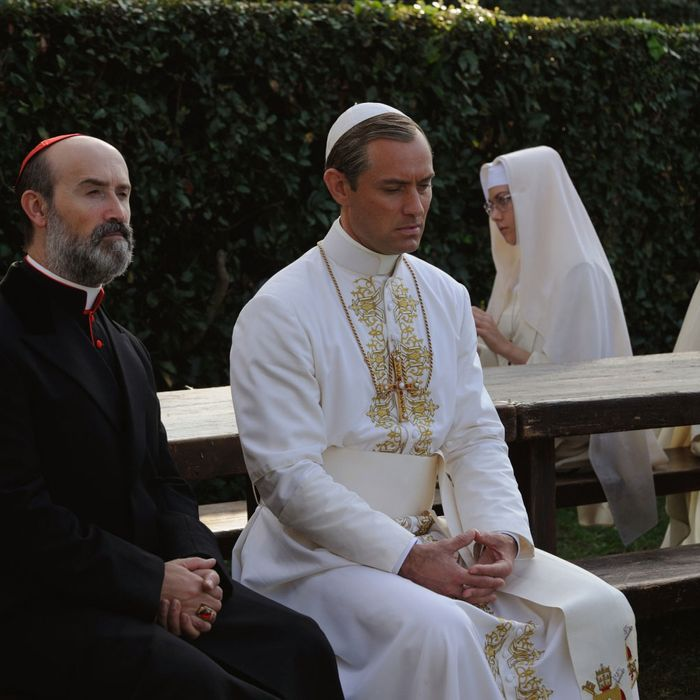 The Young Pope Stream