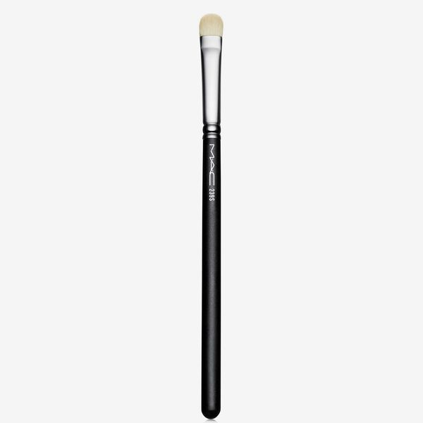 M.A.C 239 Synthetic Eye Shader Brush