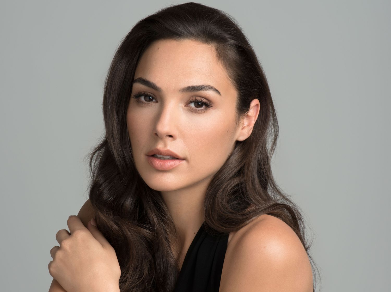 Gal Gadot earned a  million dollar salary, leaving the net worth at 5 million in 2017