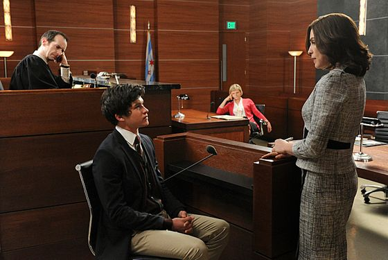 """What\'s in the Box?""--Zach (Graham Phillips, left) is called to the stand by Alicia (Julianna Margulies, far right) when he witnesses possible vote tampering on the eve of the gubernatorial election as Judge Abernathy (Denis O'Hare, far left) and Patti Nyholm (Martha Plimpton, right) observe, on THE GOOD WIFE, Sunday April 28 (9:00-10:00 PM, ET/PT) on the CBS Television Network. Photo: David M. Russell/CBS ©2013 CBS Broadcasting, Inc. All Rights Reserved"