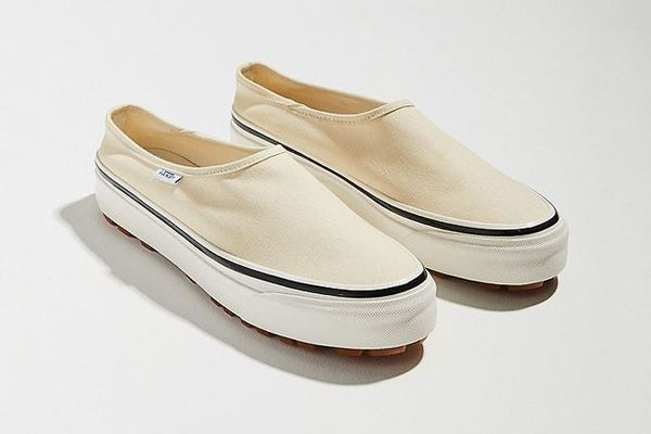 Vans Anaheim Factory Style 17 DX Slip-On Sneaker