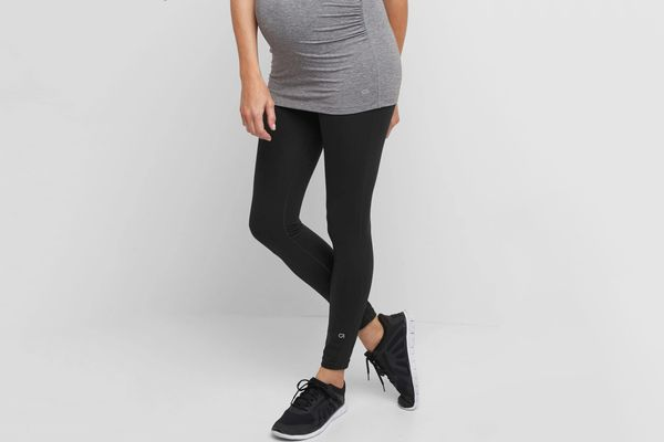 Maternity GapFit Blackout Full-Panel Full-Length Leggings