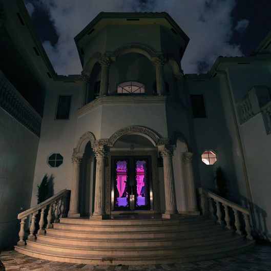 mansion-mosphere, night-mosphere