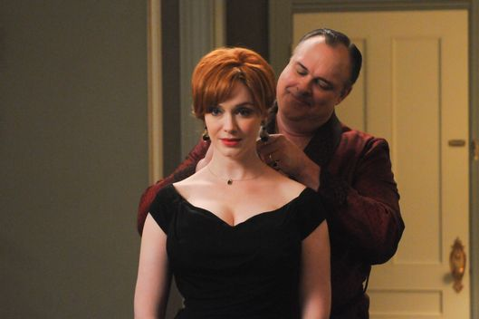 Joan Harris (Christina Hendricks) and Herb Rennet (Gary Basaraba) - Mad Men - Season 5, Episode 11