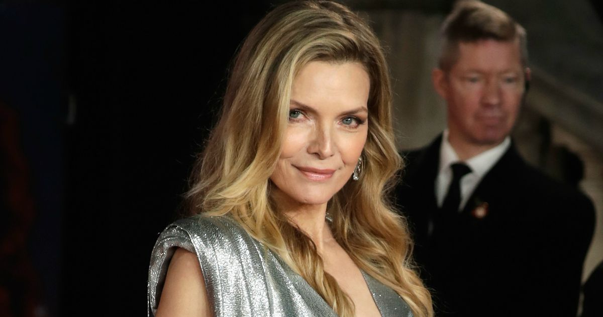 Michelle Pfeiffer Set To Play The Queen In Maleficent 2