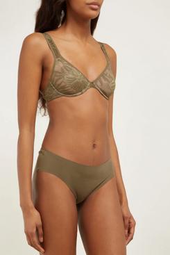 bronze hanro lace underwire bra - strategist fashion summer sale