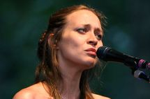 Musician Fiona Apple performs live at Rumsey Playfield in Central Park August 14, 2007 in New York City.