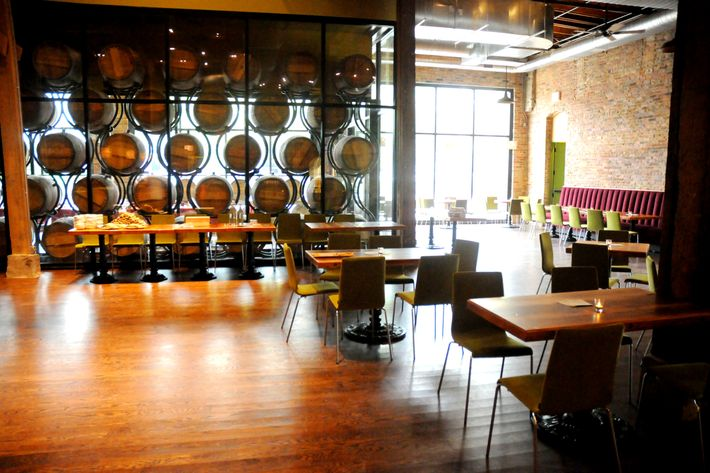 http://pixel.nymag.com/imgs/daily/grub/2012/08/15/15-city-winery-chicago.jpg