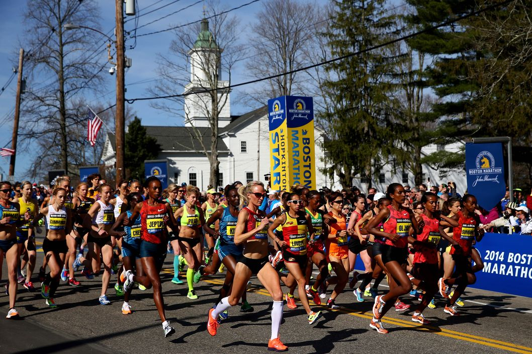 HOPKINTON, MA - APRIL 21:  The Elite Women's division starts the 118th Boston Marathon on April 21, 2014 in Hopkinton, Massachusetts.  (Photo by Alex Trautwig/Getty Images)