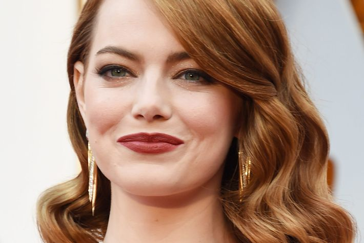 Emma Stone's Oscars Makeup Was Inspired by an 1800s Painter Emma Stone
