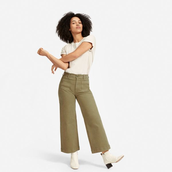 Everlane Wide Leg Crop Pocket Pant in Olive