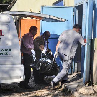 Refugee boat sinks in Turkey's Canakkale