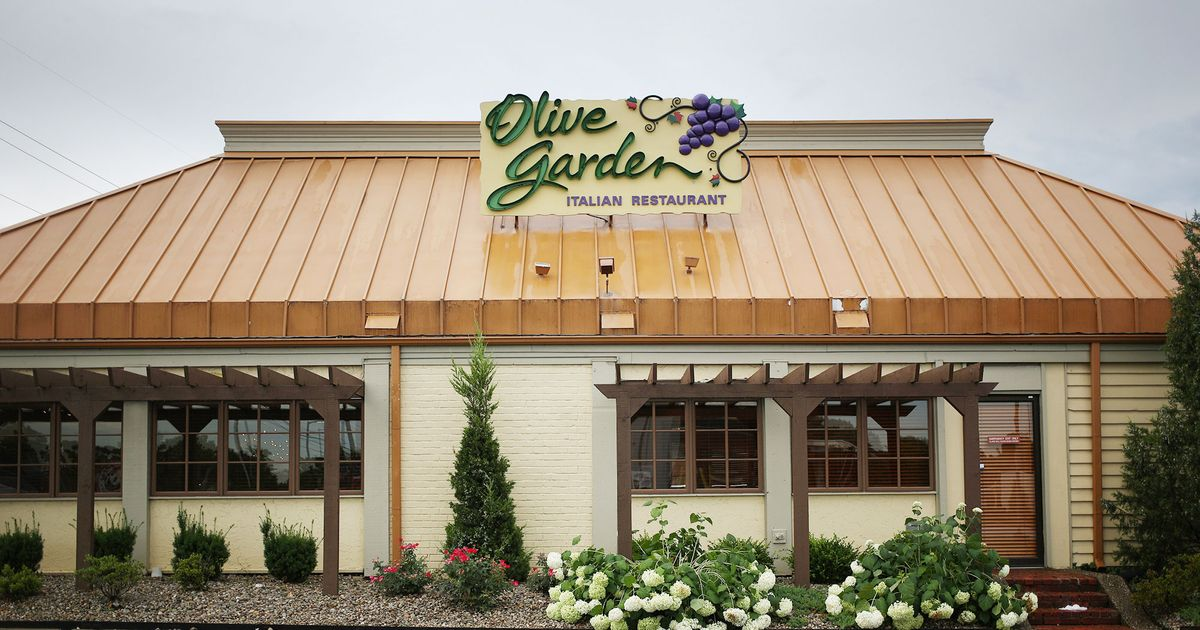 Olive Garden Is The Latest Restaurant To Boot An On Duty Cop