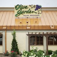 Olive Garden Is the Latest Restaurant to Boot an on-Duty Cop