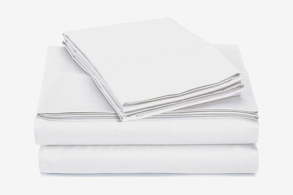 AmazonBasics 400 Thread Count Sheet Set, 100% Cotton, Sateen Finish — Cal King, White