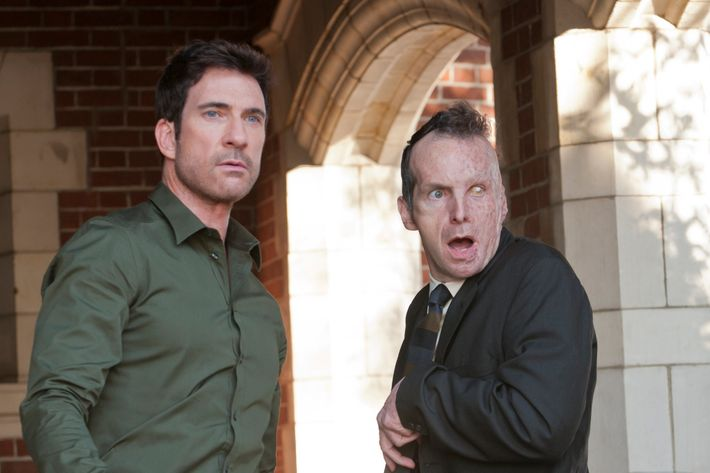 AMERICAN HORROR STORY: L-R: Dylan McDermott and Denis O'Hare in the AMERICAN HORROR STORY episode MURDER HOUSE airing Wednesday, Oct 19 on FX. CR: Ray Mickshaw / FX